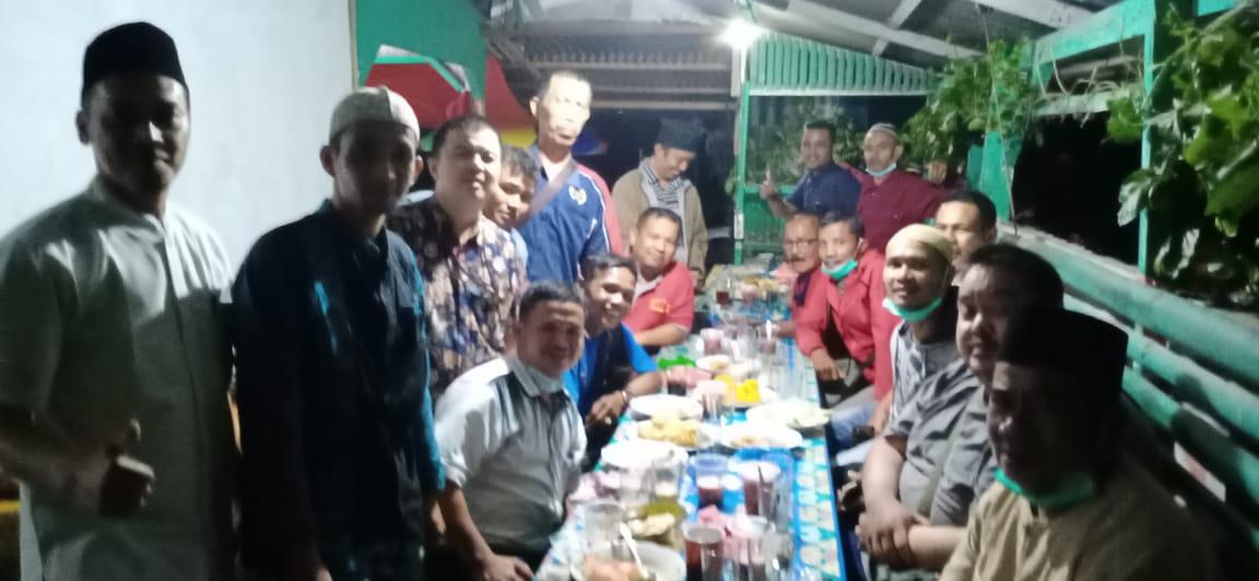 Wartawan Solsel Gelar Buka Bersama di Puncak Pekonina